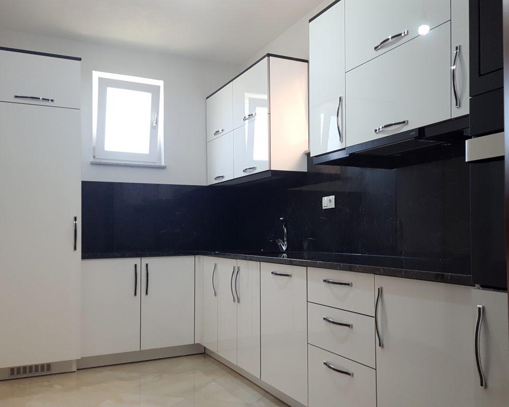 kuzhina-43